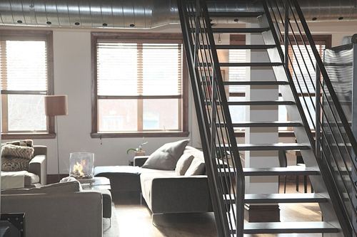 Межэтажная лестница: как выбрать, на что обратить внимание