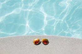 Преимущества использования перекиси водорода для очистки бассейна